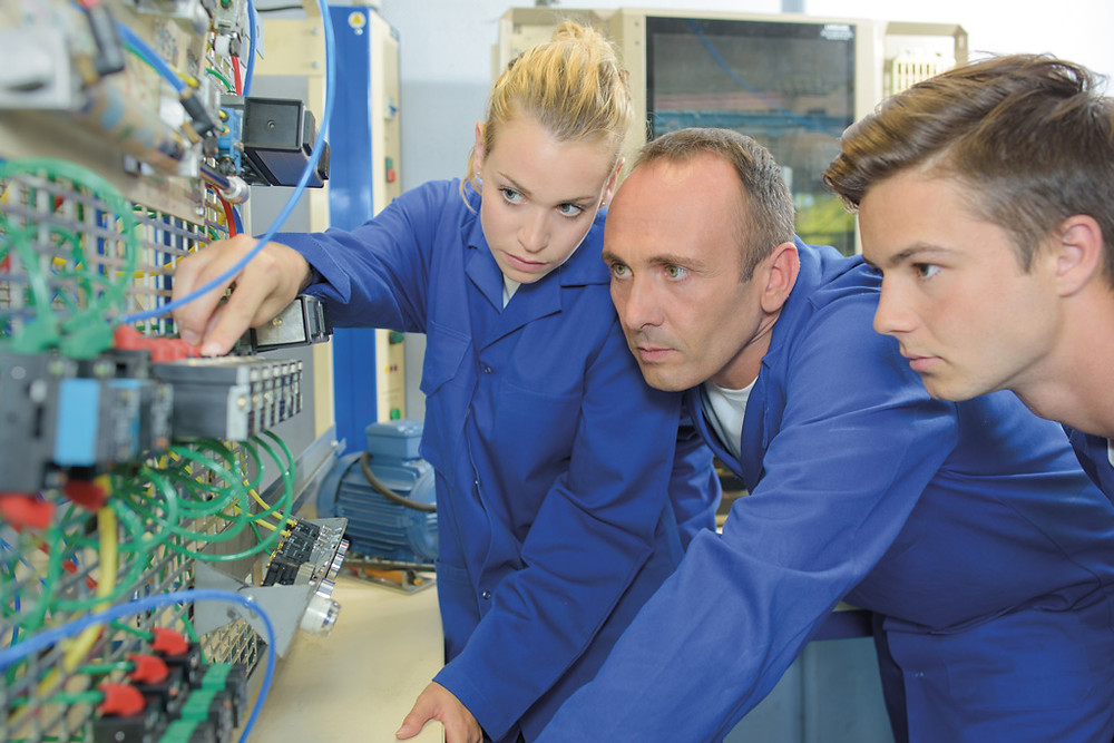At SELECT, we want every apprenticeship to provide a solid foundation in electrical theory and practice