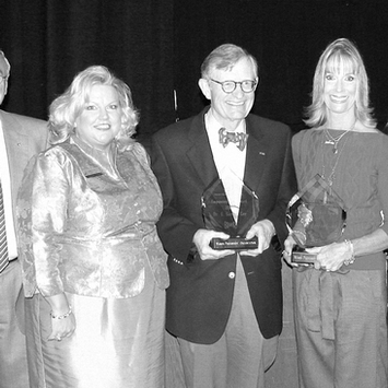 2007, Judi receives the Women Presidents' Organization's Women's Empowerment Award