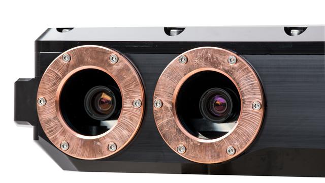 2 x high resolution cameras