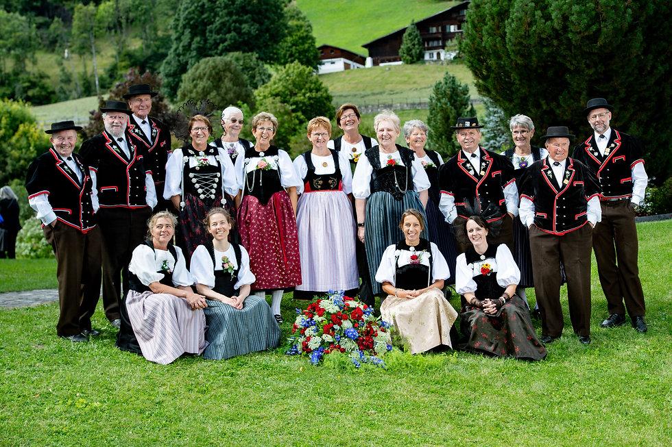 Gruppenbild von Gstaad.jpg