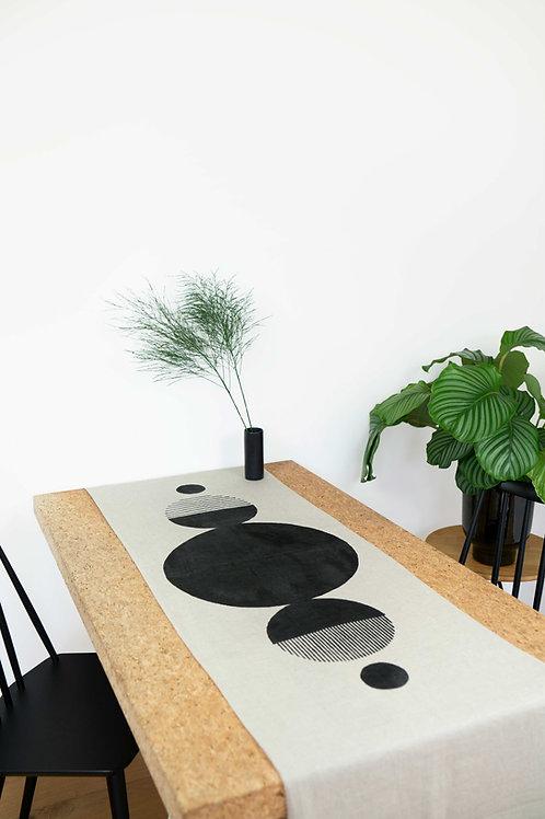 Purvi Tischläufer