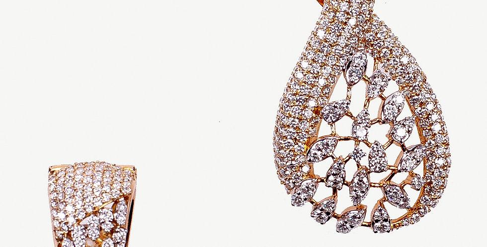 Diamond Studded Gold Pendant Necklace Set