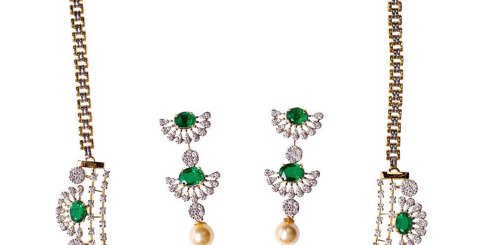 Diamond Studded Gold Necklace Set