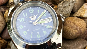Taking the classic Seiko 5 Field watch and tailoring it - the beauty of watch mods