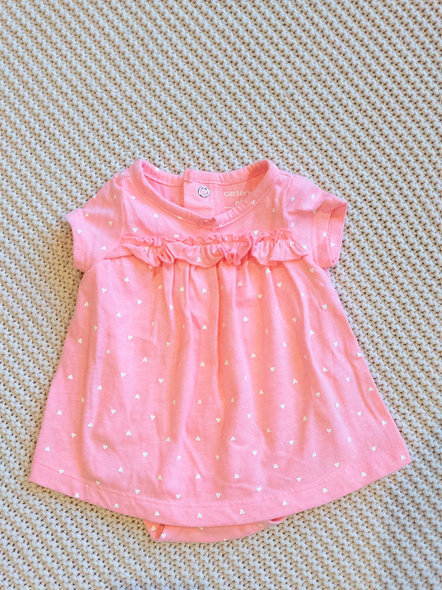 Jolie petite robe nouveau-né