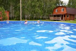 летний уличный бассейн