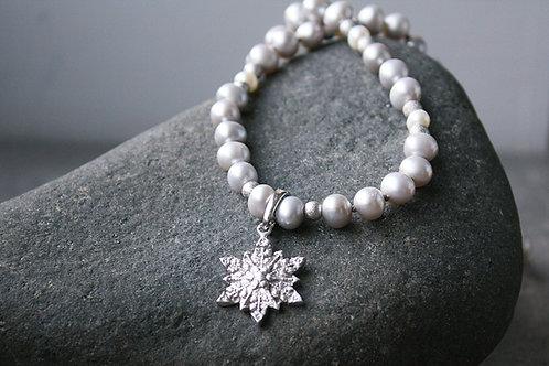 Schneeflocken-/ Edelweiß-Collier