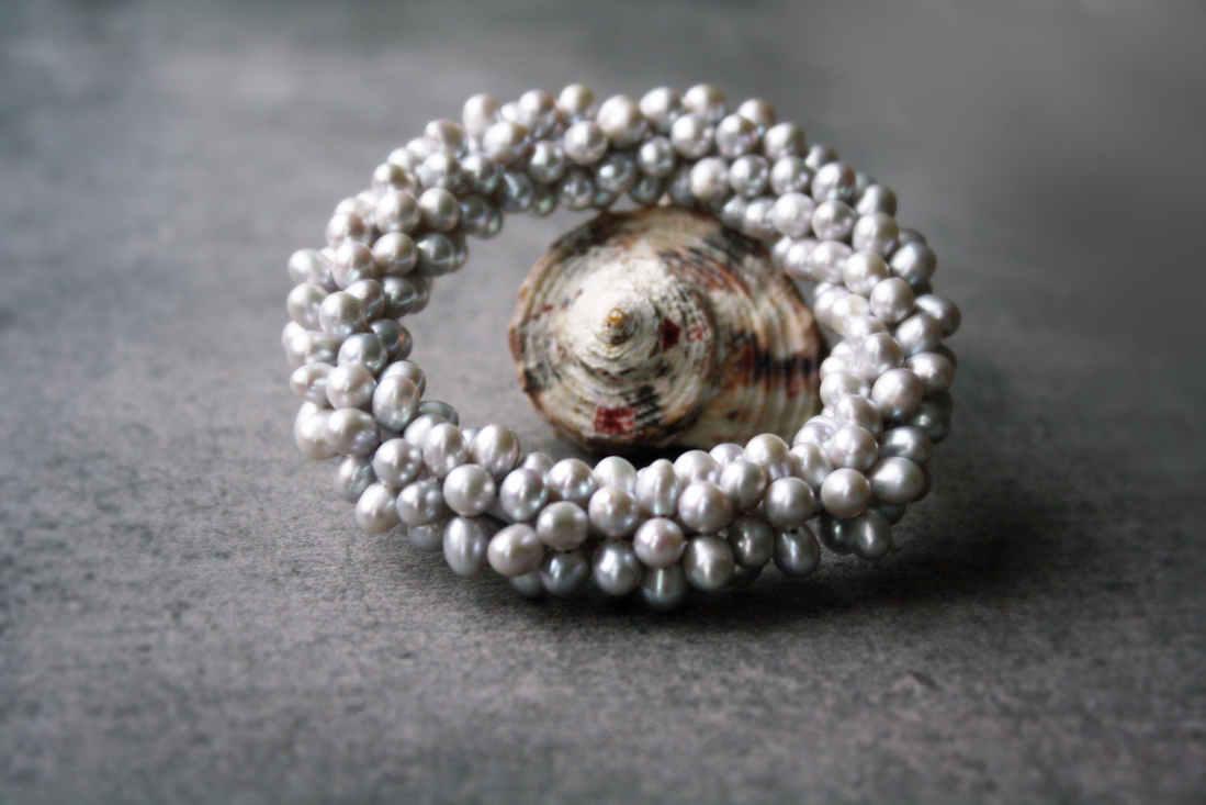 "Perlen-Armband ""Silbergrau"""