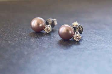 Lavendel-Perlen mit Brillant