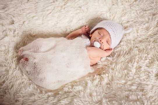 nouveau-né nourrisson bébé naissance acouchement