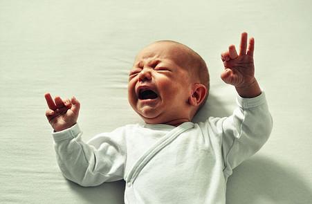 Bébé RGO : les 5 étapes à connaître pour s'en sortir