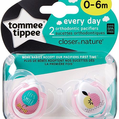 Tommee Tippee - Paquet de 2 Sucettes Classiques - 0/6 mois, Couleurs Aléatoires