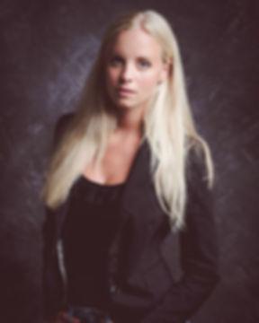 •_Model_ Madeleine_Fotos_ _new_school_ph