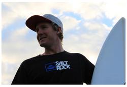 5 international surfers to follow on instagram