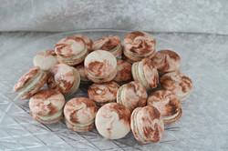 cinnamon roll macarons 2
