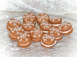 hot chocolate macarons