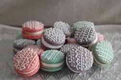 Easter macarons 2