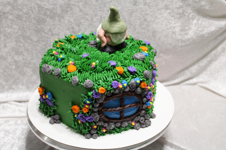 Gnome cake 3