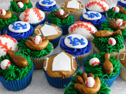 Baseballcupcake2