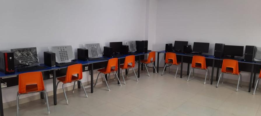 COMPUTER LAB 2.jpeg