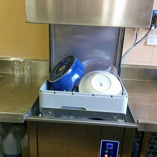 Dishwasher2.jpg
