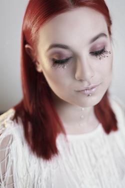 fashion makeup strobing