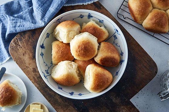 sourdough-dinner-rolls.jpg