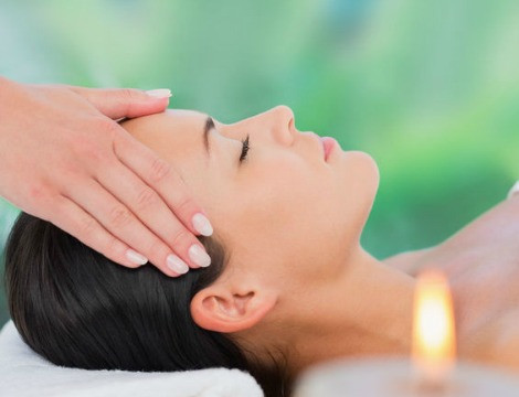 Reiki Healing Energy: Manage Stress, Fatigue and Anxiety with Reiki