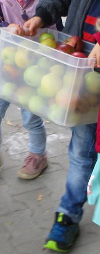Apfelsaft___Äpfel_waschen.JPG