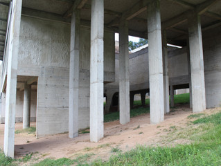 Wall/Column - La Tourette