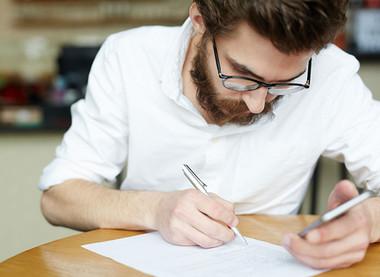 5 stvari, ki se ti jih splača narediti, ko diplomiraš in ostaneš brez statusa