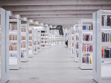 Pričetek izvajanja laboratorijskih vaj ter odprtje knjižnic za regije v rdeči fazi