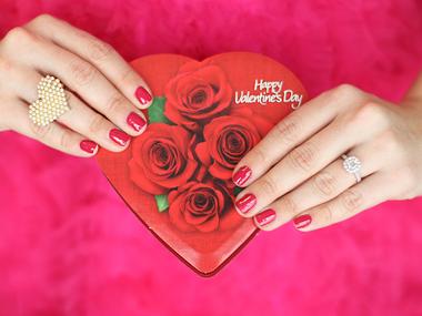 Je praznik zaljubljencev v resnici praznik trgovcev?