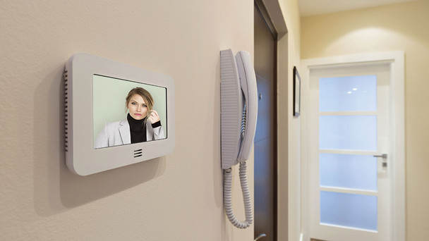 FIVE REASONS TO OPT FOR VIDEO DOOR PHONES