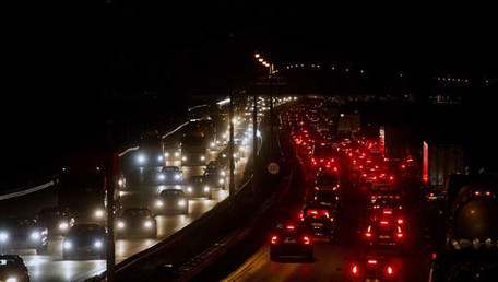 'Verlichting langs snelwegen te lang defect'