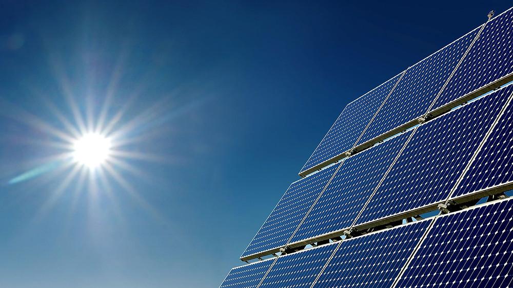 zonnepanelen met zon logo.jpg