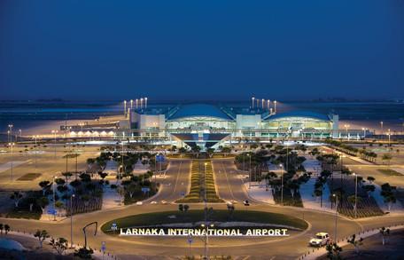 Innolumis verlicht 2 Cypriotische vliegvelden