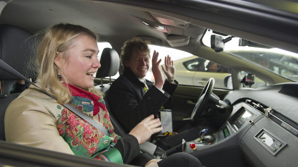 schultz-verwacht-binnen-twintig-jaar-zelfrijdende-autos.jpg