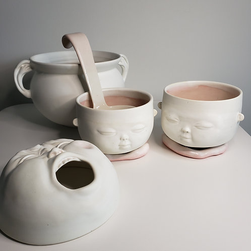 "A tureen set- ""Light Pink"" (a tureen, a ladle, two bowls)"