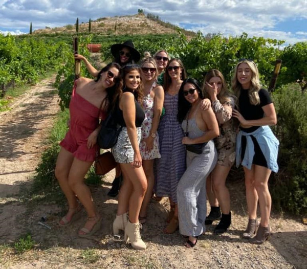 Sedona Wine tours Groups  Blasian Limosu