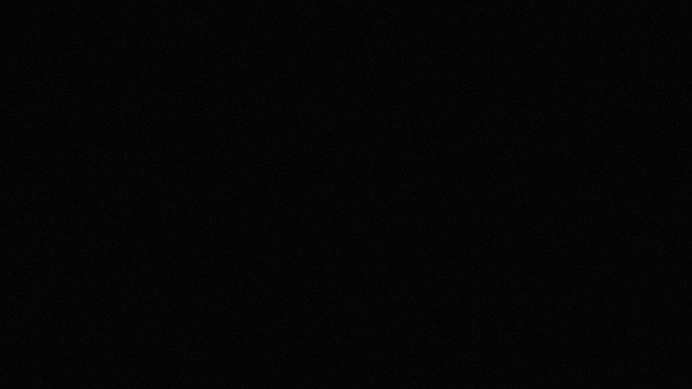 Sfondo nero sito web.jpg
