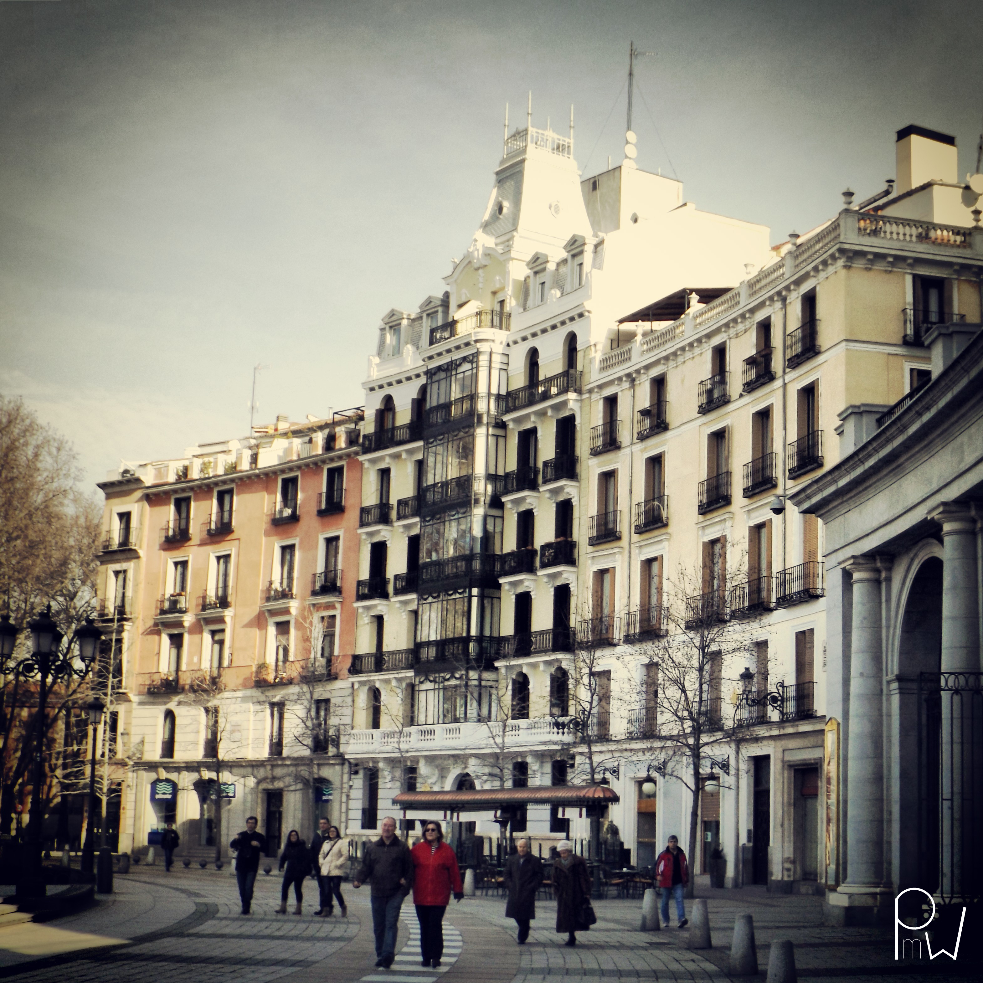 Oriente square