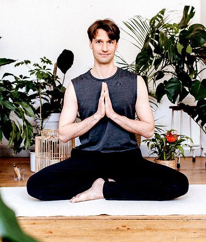 Yoga mit Chris Offenbach & Frankfurt