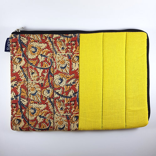 Flowerbed Laptop Cover - 15""