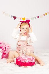 Cake Smash Olivia2.jpg
