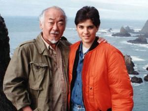 Comediante e alcoólatra: Documentário sobre Pat Morita desconstrói mito de Miyagi