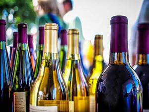 Comércio ilegal de bebidas alcoólicas cresce devido restrições pela Covid-19