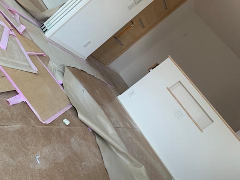 東京都港区にて新築家屋の内装工事後の対応を行いました。