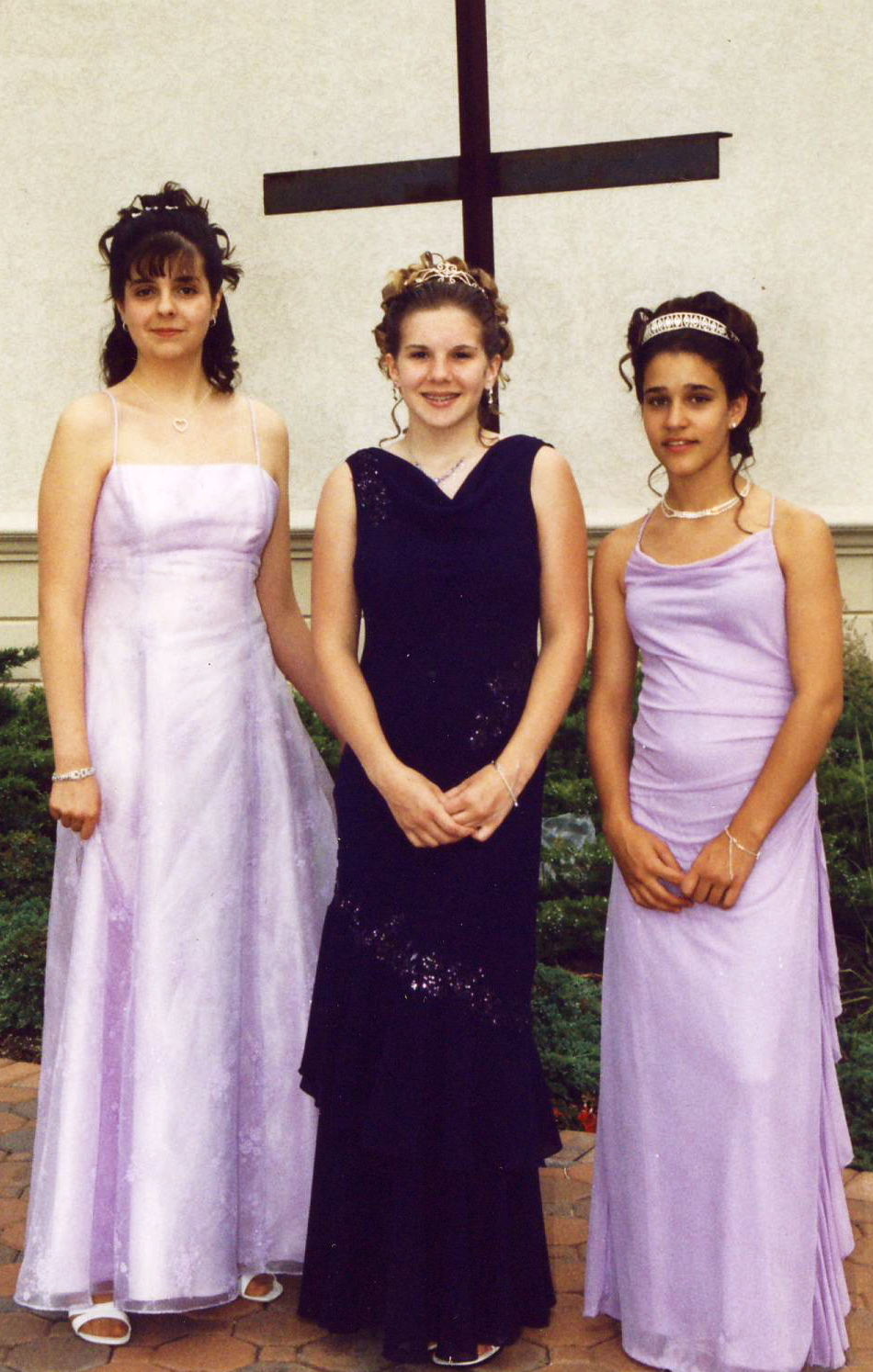 2004 Friends Graduates.JPG