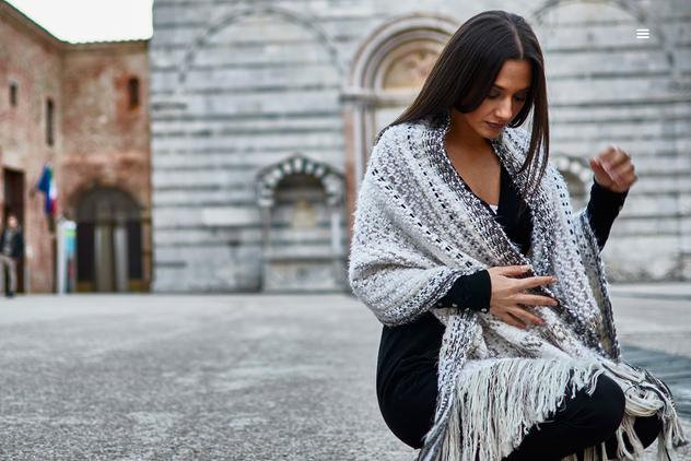ANHELA sjal i ullblanding og ren alpacalpaca weave